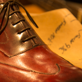Shoes & Shirts carries a collection of the world's most high-end shoemakers. Famous shoemakers of English and American soil, as well as artisan ateliers from Italy and France are well represented.