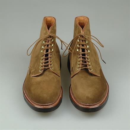 Alden Plain toe boot snuff suede