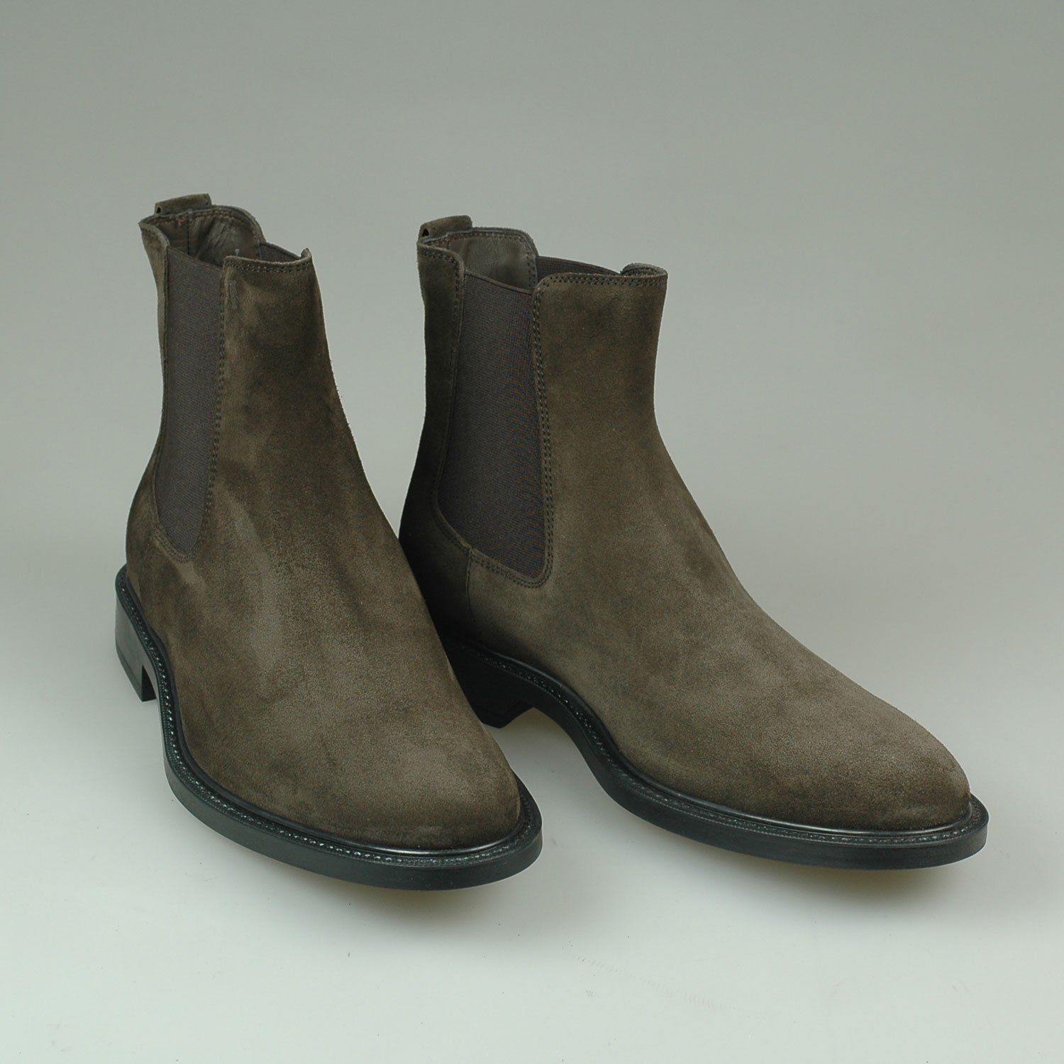 12 Best Chelsea Boots to Wear with Everything | Mens boots