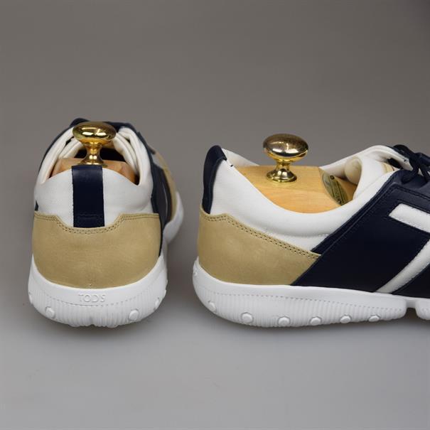 Tod's Sneaker light wearing